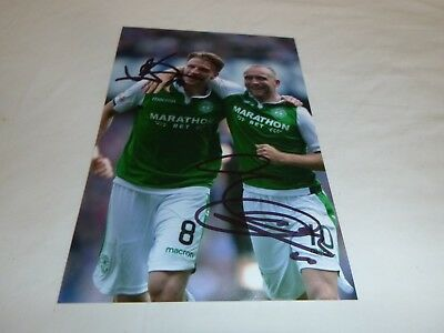 6 X 4 Dual signed photo of Slivka and McGeouch of Hibernian FC  2017-18