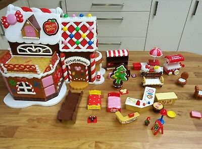 """""""Hello Kitty"""" 'Kitty & Mimmy' Christmas Gingerbread House with accessories"""