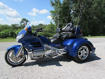 2001 Honda Gold Wing  2001 HONDA GOLDWING GL1800   ROADSMITH HTS1800 TRIKE !!