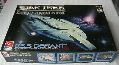 "STAR TREK Deep Space Nine "" U.S.S. DEFIANT "" Bausatz AMT Ertl 8255/1996"
