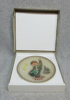 1971 HUMMEL 1st Annual CHRISTMAS PLATE Mint-In-Box  West Germany