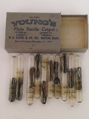 Rare 1917 NEW OLD STOCK YOUNG'S STERILE CATGUT SUTURES-10  GLASS VIALS IN CASE