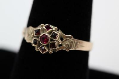 Antique Victorian 8K .333 Yelow Gold Garnet Fancy Engraved Design Ring