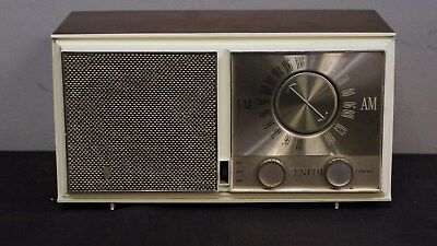 Zenith Model M723 AM/FM Seven Tube Radio From 1956 Works Perfectly