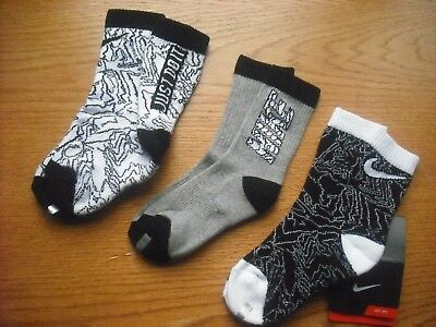 "Boys NWT NIKE Crew Socks 3prs Black White Heather Gray  ""JUST DO IT"" Ages 5-7"