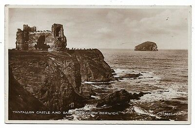 [3303] East Lothian R/P Postcard Tantallon Castle & Bass Rock North Berwick