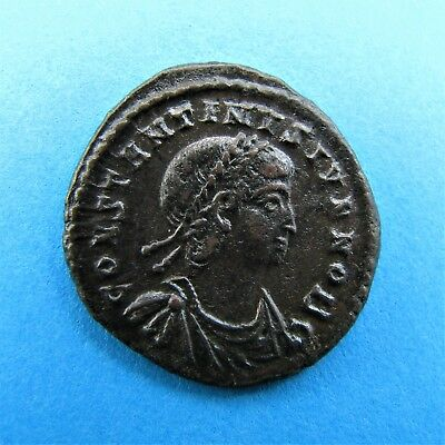 69. Great Gloria Exercitus Roman coin of Constantine II