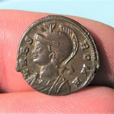 b11. Good URBS Roma Roman coin