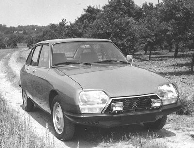 1977 Citroen GS X 2 ORIGINAL Factory Photo oub9687