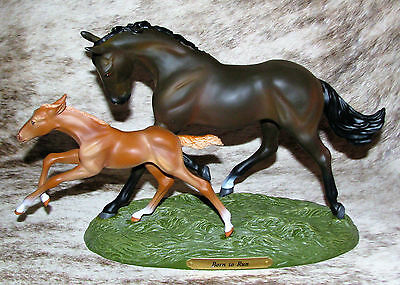 TRAIL OF PAINTED PONIES Born to Run Low 1E/0220 ~ Thoroughbred Mother & Foal ~