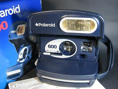 Polaroid 600 Instant Land Camera As New In Original Box.  Ht