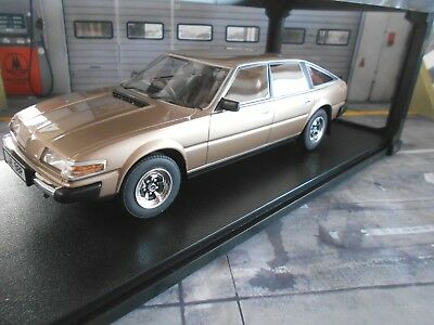 ROVER V8 3500 SD1 gold met. Limousine 1977 CML006-1 NEW Resin CULT Scale 1:18