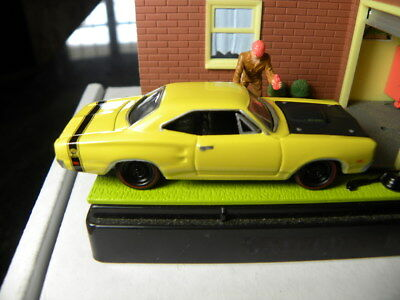 1969 DODGE SUPER Bee 2005 Johnny Lightning Mopar Or No Car 1:64 Die-Cast