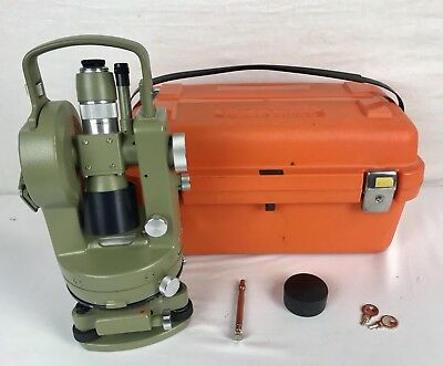 Wild Heerbrugg  T1 Theodolite Survey Transit - Green - with Hard Carrying Case
