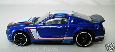 Hotwheels 2007 Ford Mustang Blue Red-White Stripes 1/64 Scale JC2