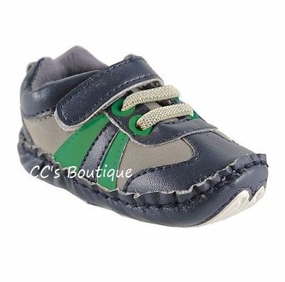 Boys LUVABLE FRIENDS tennis shoes 0-6-12-18 NWT baby crib navy blue soft 1 2 3