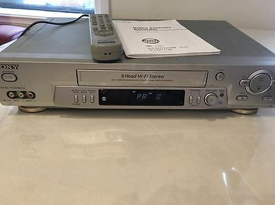 SONY VCR VIDEO CASSETTE RECORDER PLAYER Model SLV-EZ715AS With Remote (can post)