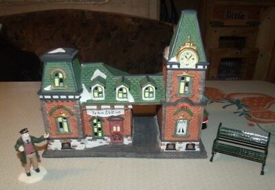 Dickens Collectibles porcelain lighted house -1998 - Train Station & extra