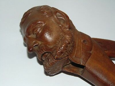 ANTIQUE VINTAGE CARVED TREEN BLACK FOREST WINKING MAN with BEARD NUT CRACKER