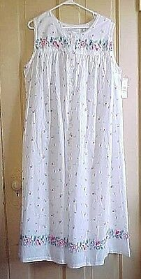 NWT 1X Nightgown Long Cotton flowers on white background 46 Bust 48 long
