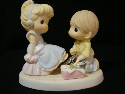 Precious Moments-Disney-Cinderella/Prince Charming/Glass Slippers-Perfect Fit