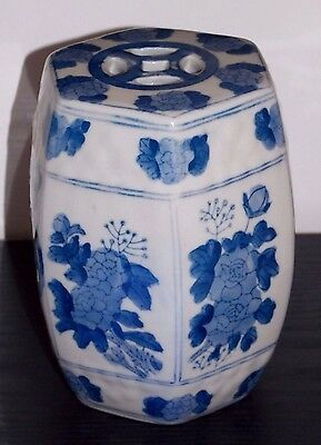 Chinese Double Happiness blue white porcelain octagon figurine