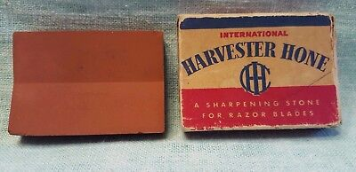 Vintage International Harvester Sharpening Hone for  Razor Blades Original Box