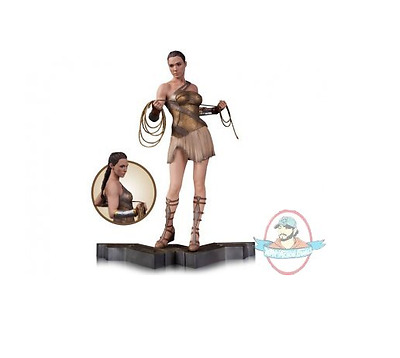 1/6 Scale Wonder Woman in Training Outfit Statue By DC Collectibles
