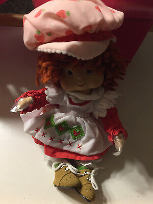 Marie Osmond Tiny Tot Strawberry Shortcake With COA and Doll Necklace