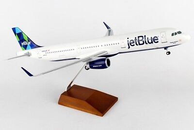 Skymarks SKR8321 JetBlue Airbus A321-200 Prism Desk Display Model 1/100 Airplane