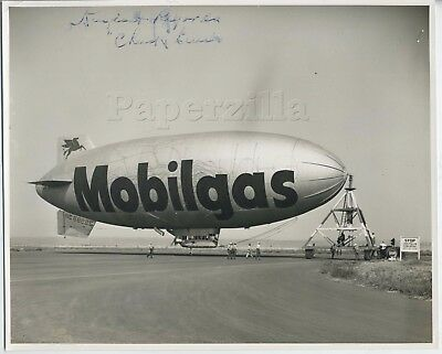 CA Los Angeles 2 8 X 10 PHOTOS c.1947 MOBILGAS DIRIGIBLE Flying Red Horse LETTER