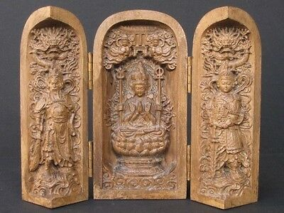 Extraordinaire Sculpture on Wood, Autel Gilt Triple Chinese