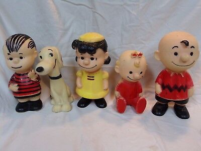 United Feature syndicate Hungerford Peanuts snoopy Charlie brown dolls