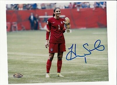 "HOPE SOLO 8x10 Signed Photo Autographed -""FEMALE GOALKEEPER USA"" SCH cert. #2"