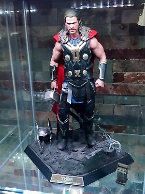Hot Toys: Thor - Dark World, Light Armor