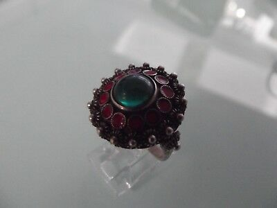 (u60) Alter Ring Silber 900 filigran + grüner Stein + rote Emaille