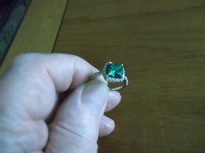 METAL DETECT FIND SOLID SILVER STAMPED RING WITH EMERALD COLOURED STONE 99p