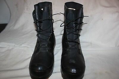 US Military Issue Mickey Mouse Cold Weather Boots Black Size 10 Regular  T16