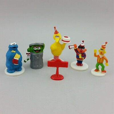 Wilton Sesame Street Party Cake Toppers with Sign