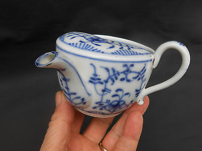 Early 20th c.Strohblume/Strawflower ** BLUE ONION ** Pattern Invalid Feeding Cup