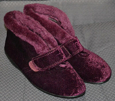 Ladies M&s Easy Fasten Rip Tape Ankle Boot Slippers - Size 5 - Wine - New