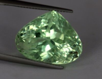 VS 29.50 Cts Natural Heart Cut Green Color Patroke Kunzite ! No Reserve Price