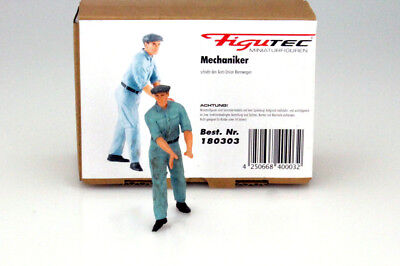 Auto Union Mechanic Figurine Pushes The Race Car 1:18 Figutec