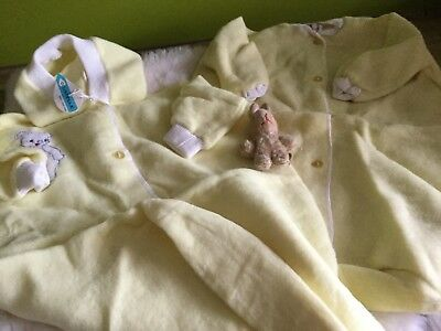 2 X AUTHENTIC VINTAGE 1970s UNUSED BABY PRAM SUITS/ SLEEP SUITS 6 MONTHS