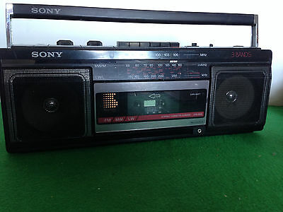 Vintage Sony Tape Player - Getto Blaster style  Radio