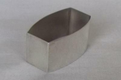 A Fine Heavy Solid Sterling Silver Rectangle Shaped Napkin Ring Birmingham 1947.