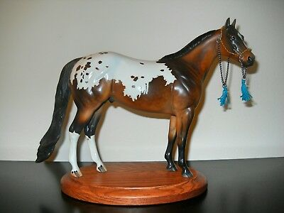 Breyer Traditional/Peter Stone Traditional Scale Arabian Horse Show Halter CM