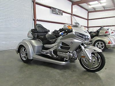 2015 Honda Gold Wing  2015 HONDA GOLDWING GL1800 NEW  ROADSMITH HTS 1800 TRIKE WITH RUNNING BOARDS