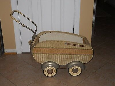 Stroller Art Deco Baby Doll 1920-1930 Wicker Buggy Carriage