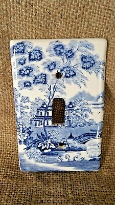 Vintage A. J. Wilkinson Ltd. Single Switch Plate Cover, England, Blue Willow